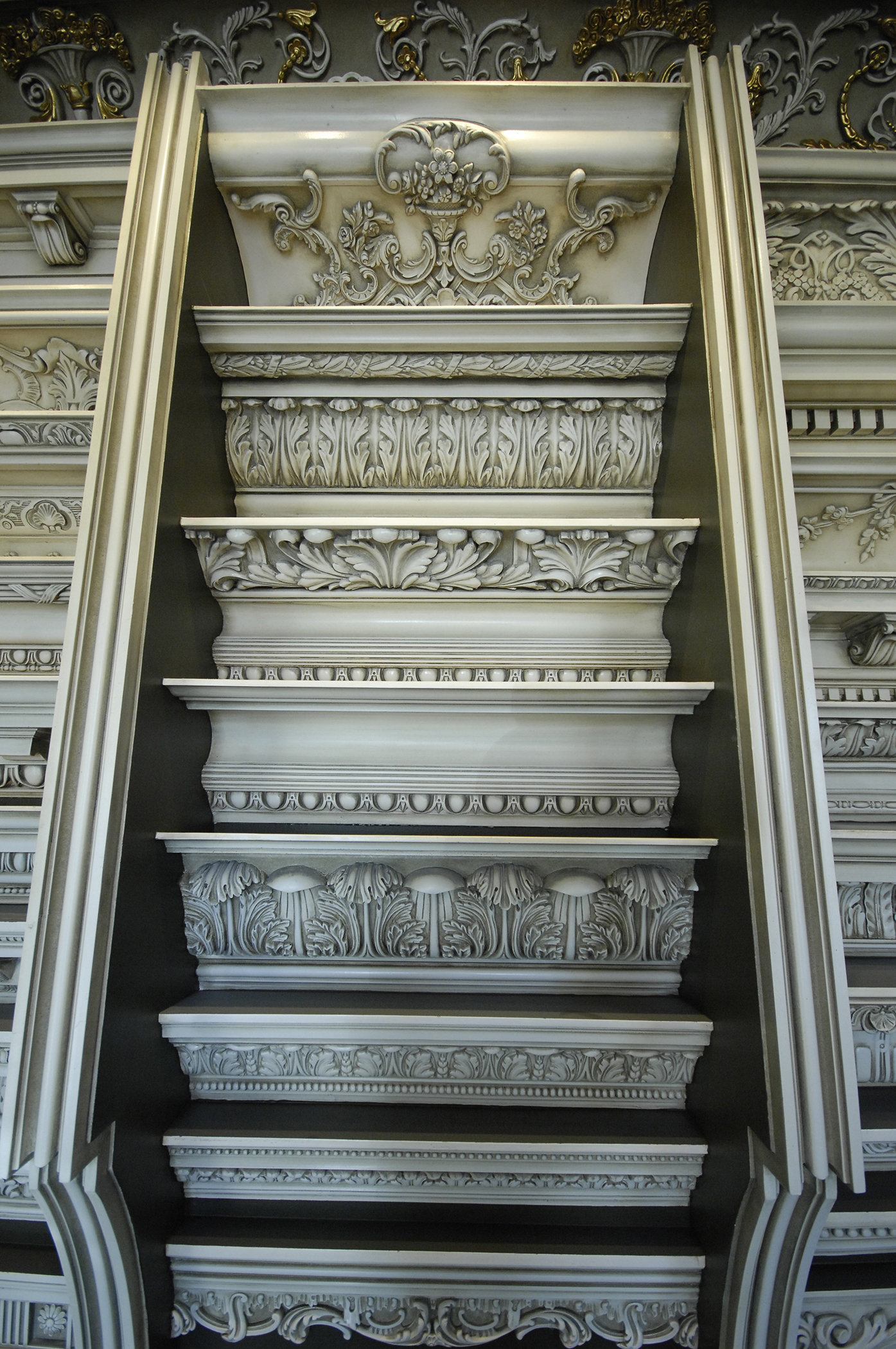 Architectural Plaster Mouldings America : Crown mouldings prive